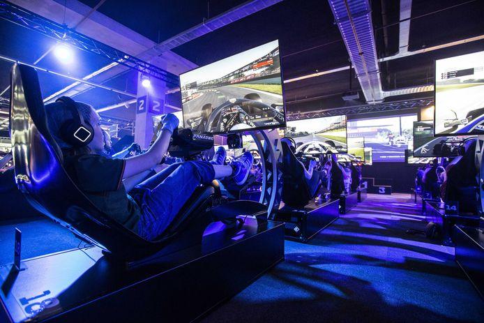 Op 1 juni opende het eerste officiële F1 Racing Centre in Utrecht. Het centrum bevat zestig professionele simulatoren. Bezoekers kunnen zich via de website een tijdslot van een uur boeken op een circuit naar keuze.