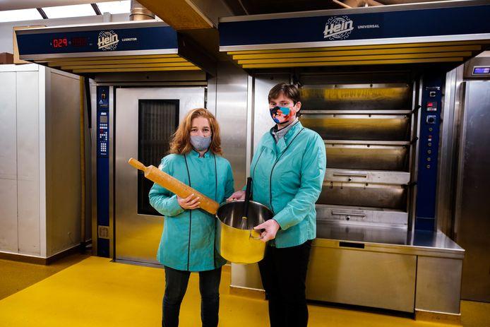 Anja Van Moer van traiteur Omnibus werkt samen met Kristien Brouwers van bakkerij Sint-Rita in Kontich.