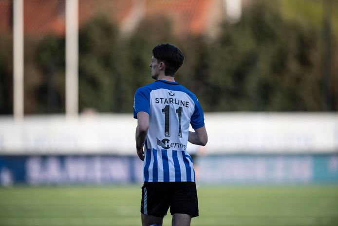 Mitchel van Rosmalen draagt sinds deze week ter ere van zijn befaamde opa rugnummer 11.
