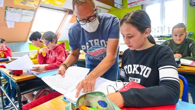 """Roep om leerkrachten sneller te vaccineren: """"Ik zie 170 risicoverspreiders per dag, dat kunnen weinig sectoren zeggen"""""""