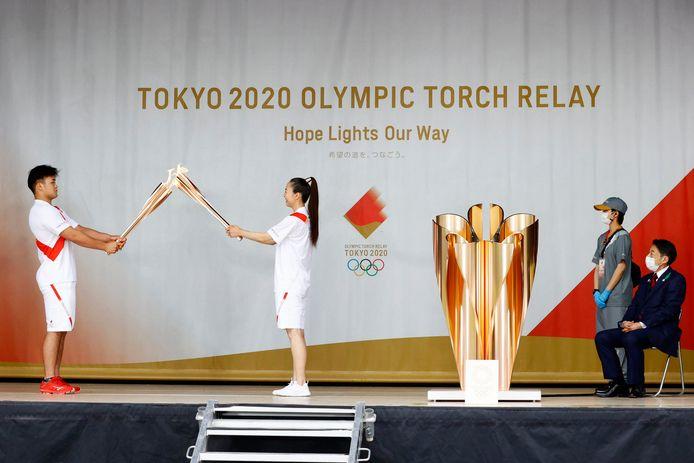 De Olympische vlam is gisteren aangekomen in Fukuoka in het zuidwesten van Japan.