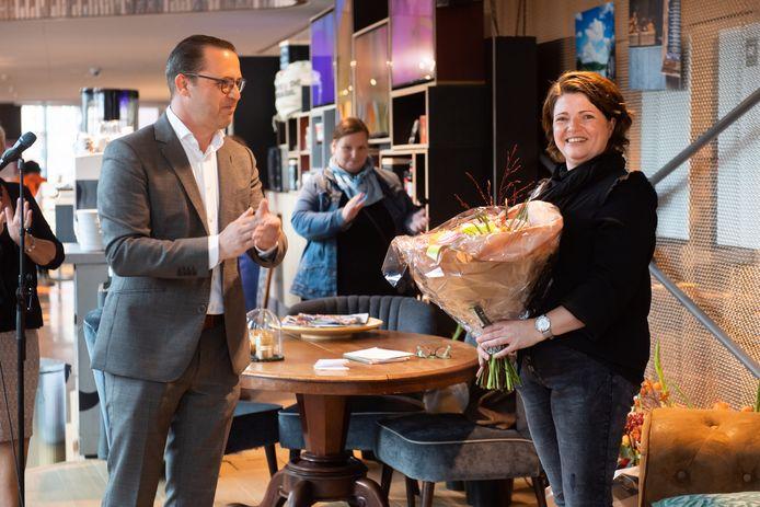 Elk jaar weer een nieuwe stadsfotograaf: Oosterhout zet hoog in. Wie wordt de opvolger van Silvia Struik (rechts)?