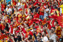 Fans van Noord-Macedonië tijdens de wedstrijd tegen Oekraïne.