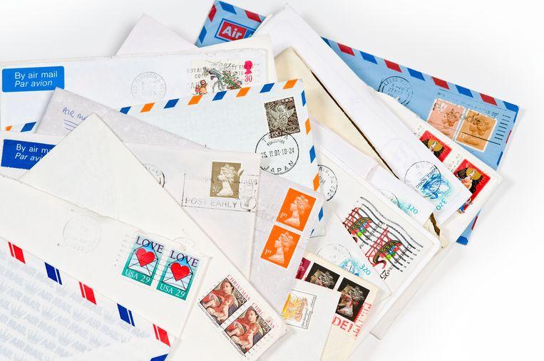 Door corona worden er meer brieven en kaarten gestuurd. Beeld Shutterstock