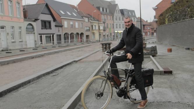 """Oostrozebeekse gemeenteraadsvoorzitter stapt op: """"Burgemeester toont gebrek aan dossierkennis en leiderschap"""""""