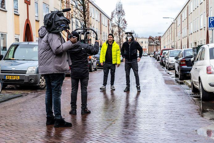 De muzikanten hebben de clip bij het nummer '1 team' opgenomen in Duindorp.