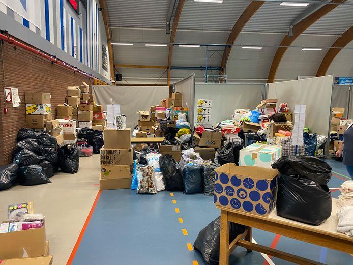 Zaventem helpt de slachtoffers van de overstromingen: in de sporthal staan al heel wat ingezamelde spullen.