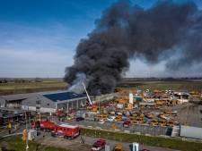 Werknemers in tranen na verwoestende brand: 'Het is hun levenswerk dat vernietigd is'