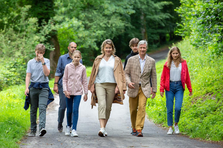 Koning Filip op wandel in de Ardennen. Beeld Reporters / GYS
