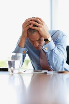 Les travailleurs qui travaillent par obligation sont deux fois plus souvent absents