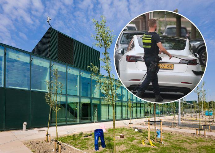 De Oostvaarderskliniek in Almere. In het rondje een agent tijdens de zoektocht naar de ontsnapte tbs'er in Lelystad.