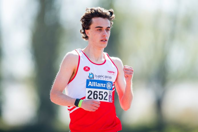 Pieter Sisk op de 800m in Oordegem.