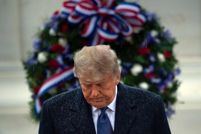 President Trump in Arlington, Virginia woensdag. Om de verkiezingen te winnen zou Trump in zeker drie staten nog de meeste stemmen moeten halen, maar dat is onhaalbaar.  Beeld AFP