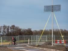 'Mysterieuze rasters' langs nieuwe weg in Bergeijk/Eersel moeten vleermuizen helpen de weg te vinden