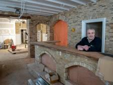 Leunen op een toog, gezaagd uit een 150 jaar oude Franse eik; Café De Tip in Gilze komt terug in stijl