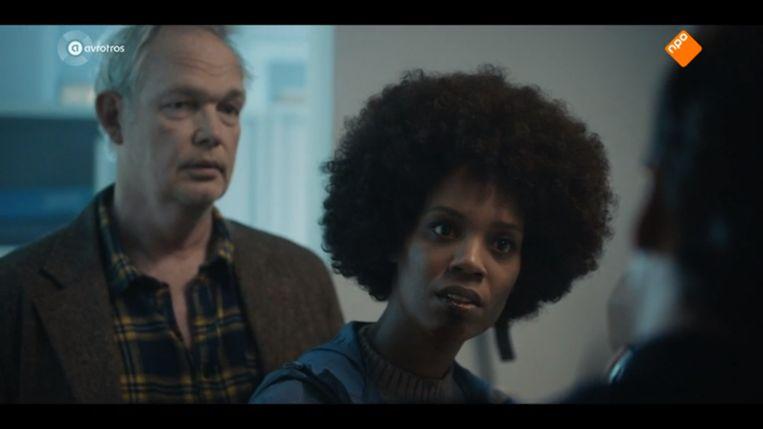 Jasmine Sendar als politie-inspecteur Tara Dessel in de serie Grenslanders Beeld null