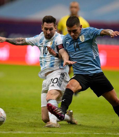 Messi helpt Argentinië langs Uruguay van Suárez in Copa América