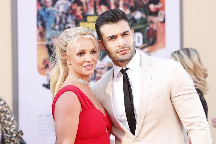 Britney Spears en haar verloofde Sam Asghari in 2019.