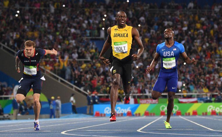 De rest ziet af, Bolt geniet. Beeld AFP