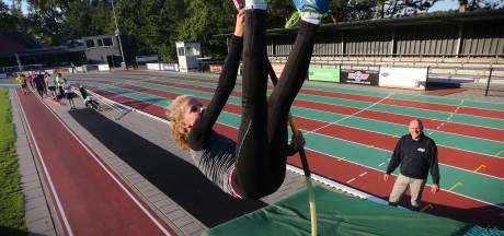 Drunense polsstokhoogspringster Van der Linden vierde op NK atletiek