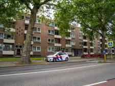 Woning in Rotterdam overvallen: bewoonster lichtgewond en daders ervandoor met buit