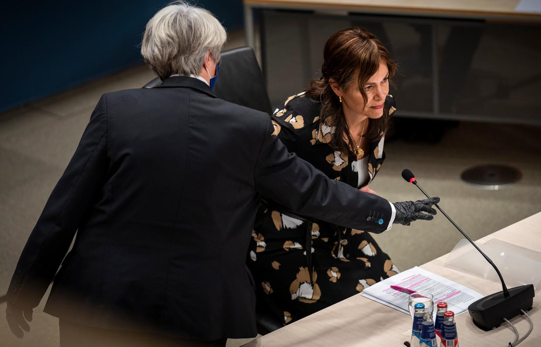 Sandra Palmen-Schlangen, vaktechnisch coördinator Toeslagen in 2016 en 2017, dinsdag tijdens de hoorzitting. Beeld Freek van den Bergh / de Volkskrant