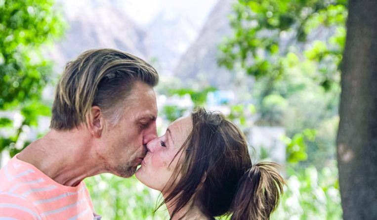 Eerste kus in 'Boer zkt Vrouw'.