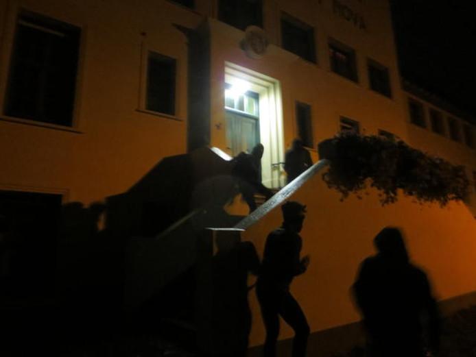 De foto van de actie die IndyMedia en Civitas Christiana delen op hun websites.
