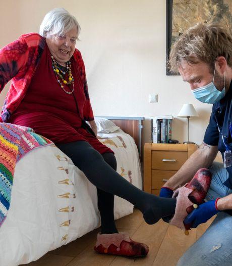 Ondanks RIVM-advies geen verplichting van mondkapjes in zorgcentra Sensire en Marga Klompé