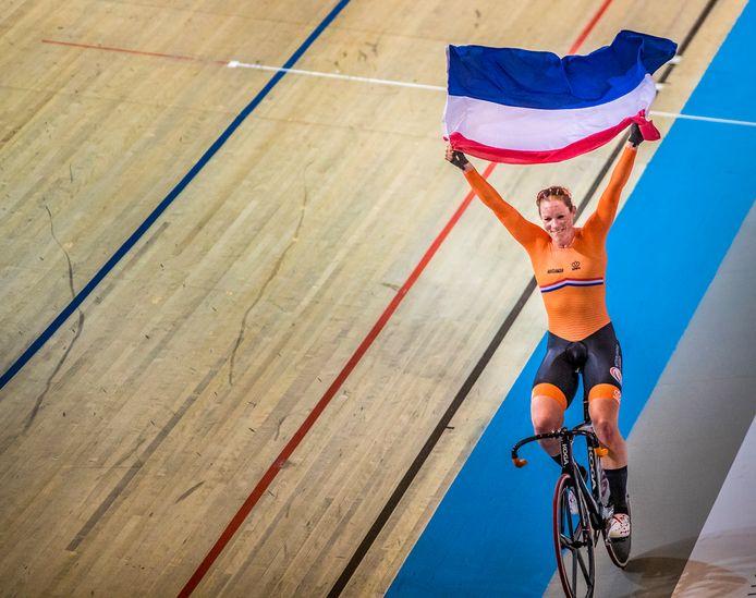 Kirsten Wild uit Zwolle, drie keer goud, een keer zilver op WK baan in Apeldoorn.
