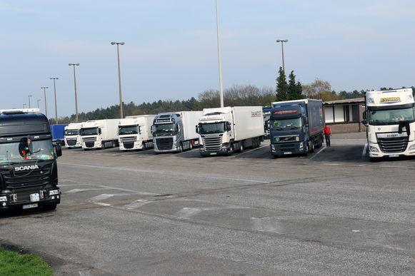 De snelwegparking in Mol-Postel