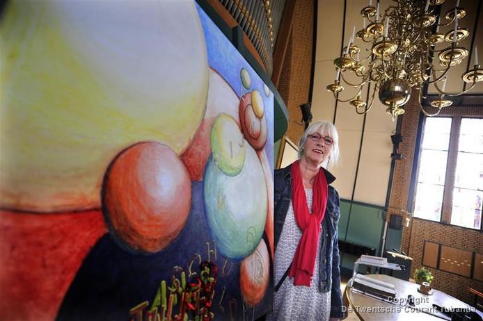 Bea Lubbers is één van de zeven kunstenaars, die meedoen aan het project Kunst&Religie in de Hofkerk. De schilderijen worden de gehele zomer tentoongesteld in de kerk