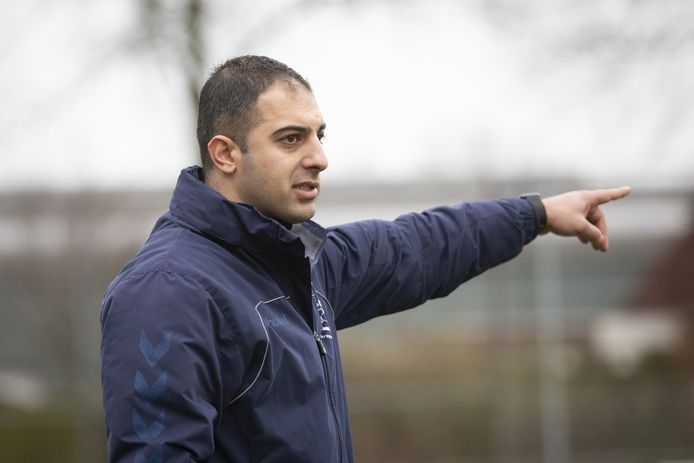 Mustafa Aygun, de nieuwe trainer van GA Eagles O14 jaar.
