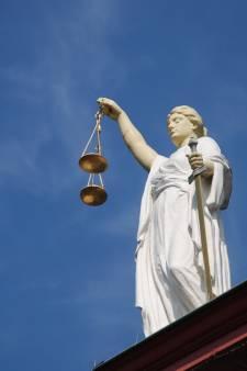 P. (22) krijgt boete na tonen geslachtsdeel aan vrouw (59) in Nijverdal