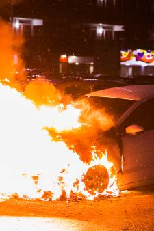 Opnieuw brandstichting in Arnhem: drie auto's vernietigd