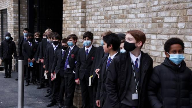 Engeland wil schooldag met half uur verlengen om leerachterstand in te halen