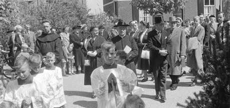 WEERZIEN: jubileumfeest van pastoor Scheij in Haren