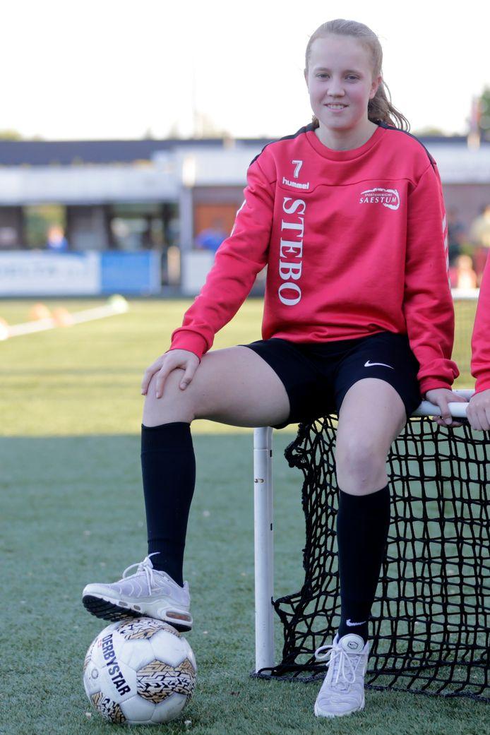 Minke Plate verlaat na dit seizoen Saestum. De Amersfoortse gaat in België studeren en sluit zich aan bij KAA Gent dat in de hoogste vrouwencompetitie uitkomt.