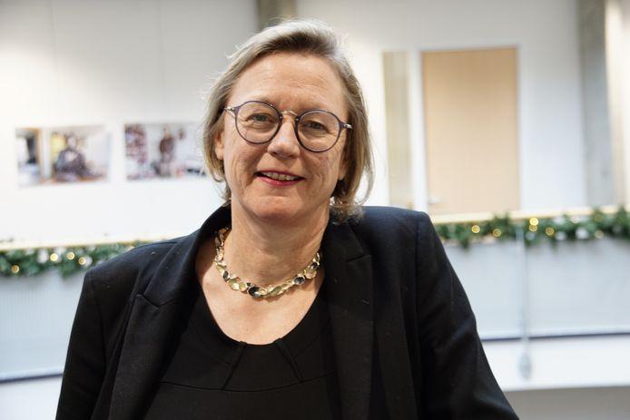 Milieuwethouder Ankie Smit (GroenLinks) spoort inwoners vooral aan gebruik te maken van de subsidies voor het verduurzamen van hun woning.