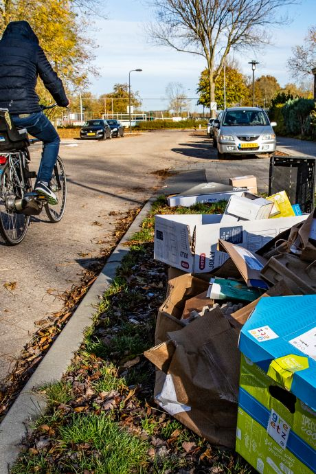 Rhenen stopt definitief met betalen vrijwilligers die oud papier ophalen