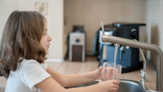 """""""Liefst 80 procent van de Vlaamse gezinnen heeft last van hard en kalkrijk water"""": zo verbeter je de kwaliteit van je kraantjeswater"""