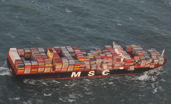 Het containerschip MSC Zoe verloor 270 containers in de Waddenzee