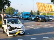 Verkeer in Apeldoorn weer op gang na flinke botsing op ringweg