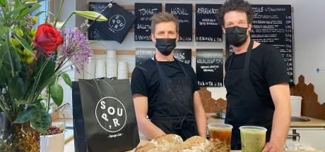 """Populaire soepbar weer open na onverwacht overlijden eigenaar: """"Ik denk dat Dieter ook heel blij zou geweest zijn dat zijn levenswerk doorleeft"""""""