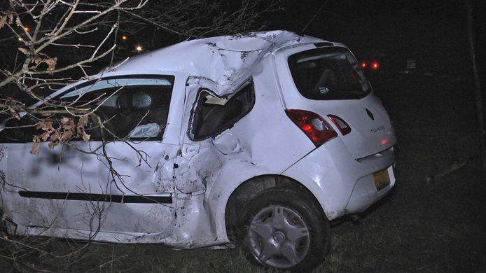 De auto van de vrouw raakte zwaarbeschadigd