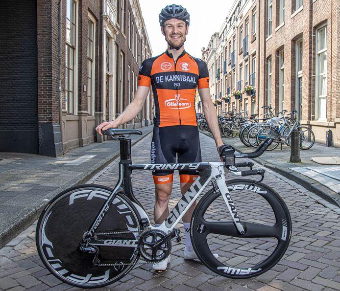 Pieter Verhoeven, 'de Zwolse Kannibaal', mocht zich tijdens het NK tijdrijden meten met de beste coureurs van het land, onder wie Tom Dumoulin.