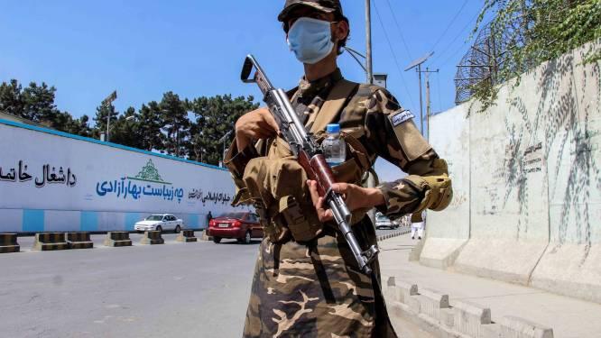 Taliban staan 200 mensen toe Afghanistan te verlaten