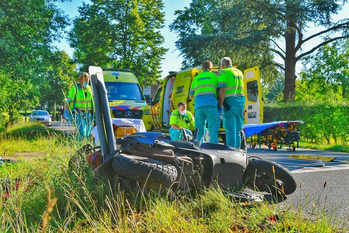 Ongeluk met twee scooterrijdsters in Eersel.