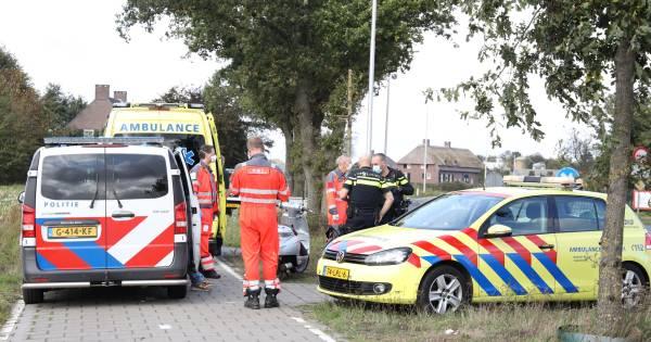 Vrouw met traumahelikopter naar ziekenhuis na aanrijding scooter in Boekel.