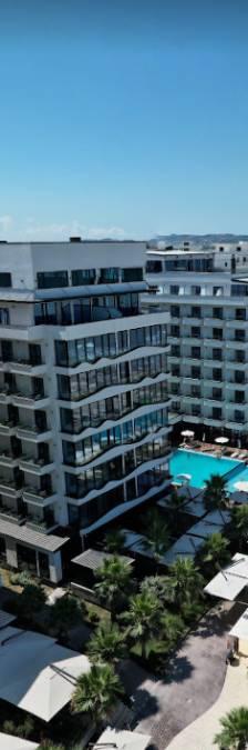 Vier Russische familieleden op mysterieuze wijze gestikt in sauna van Albanees hotel